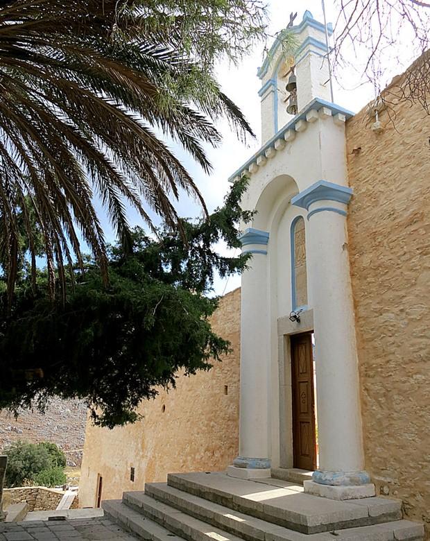 roukouniotis-kilisesi-giris